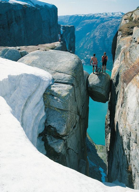 voyage-norvege-points-de-vue-kjeragbolten-per-eide-visitnorway