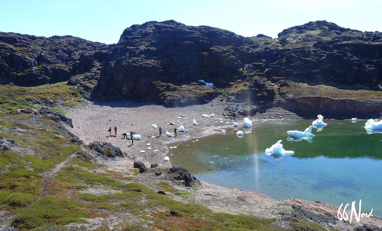 icebergs l'été au groenland et jour permanent