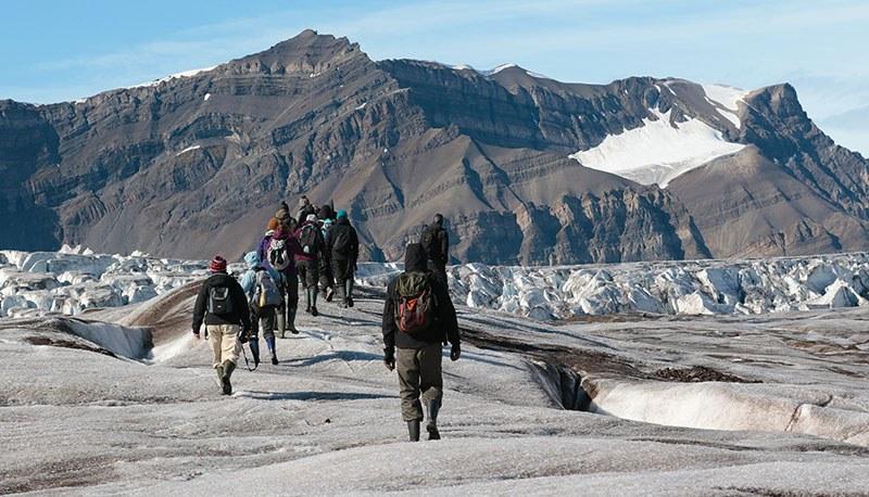 Randonnée sur le glacier de Svéa au Spitzberg, svalbard ©multizoom.com