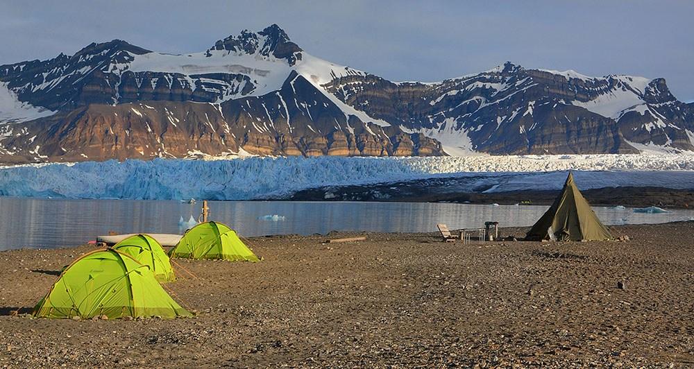 Camp de Svéa au Svalbard