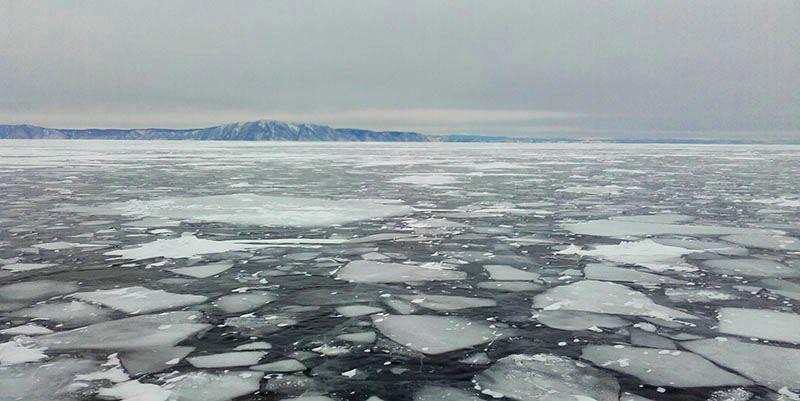 Lac Baïkal en Sibérie