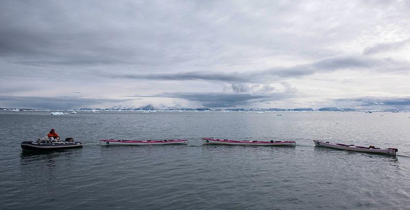 Kayak prêt pour l'aventure svalbardienne ©Yannick Long