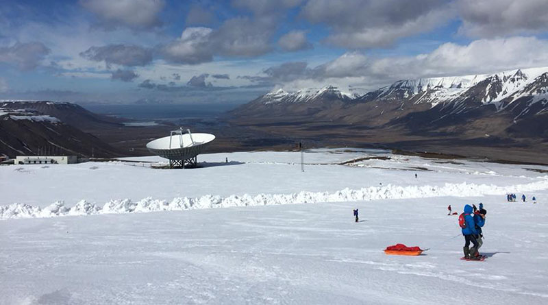 Moment détente de jeux dans la neige ©Sentinelles de l'Arctique