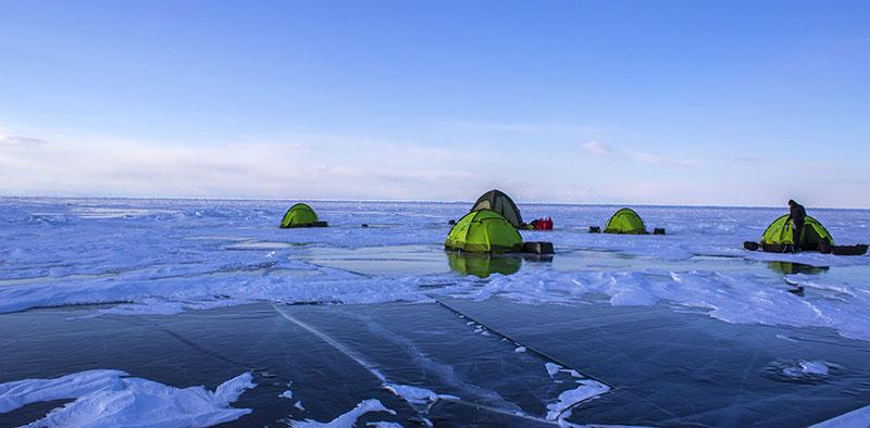 Bivouac sur la glace ©Flo Le Priol