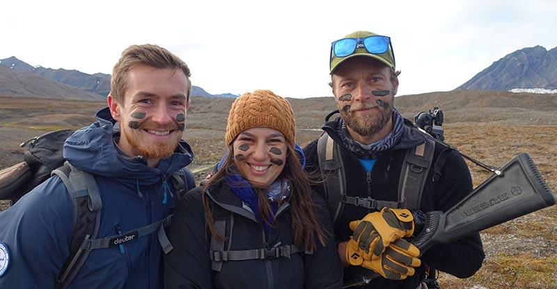De gauche à droite, Ludovic, guide 66°Nord, Emmanuelle (moi) conseillère spécialiste 66°Nord et Yannick Long, guide 66°Nord ©Guy Masson