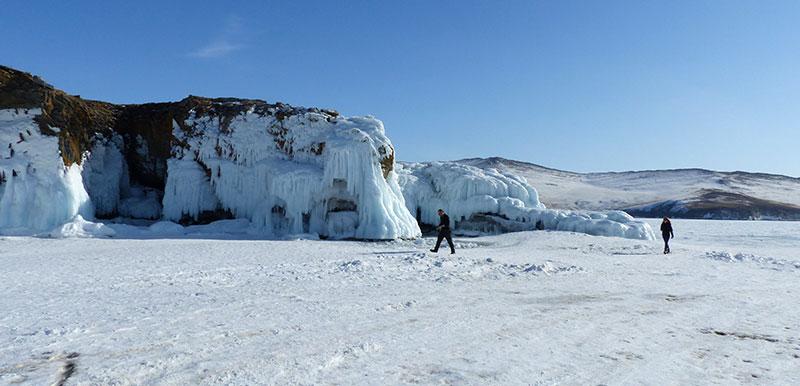 Grottes de glace au Baikal ©Quentin Beauvy, responsable 66°Nord
