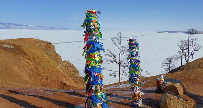 Stupas le long du lac Baikal ©Quentin Beauvy, responsable 66°Nord