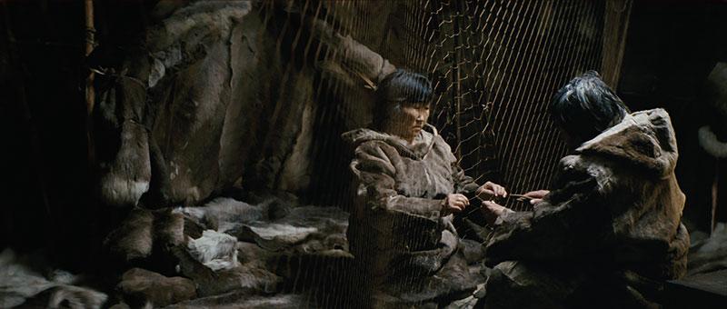 Sedna et Nanouk dans leur Yourte en Sibérie