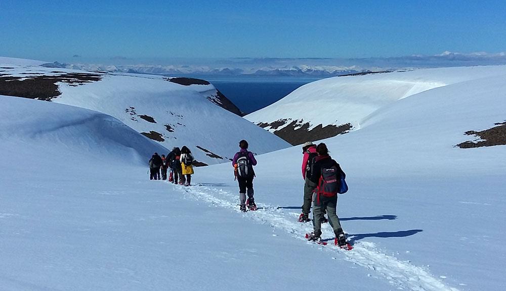 Randonnée sur les hauteurs de Longyearbyen ©Bernard Lugaz