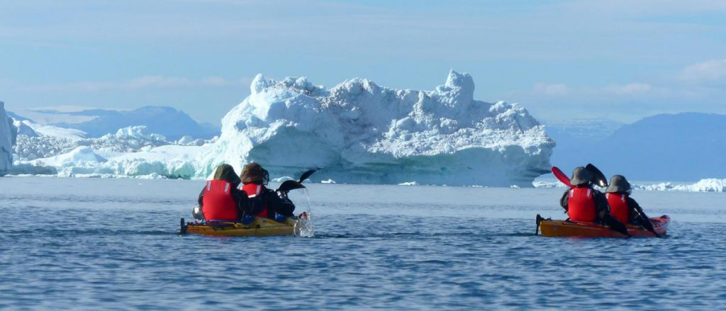 Kayak au Groenland © Clément Legain