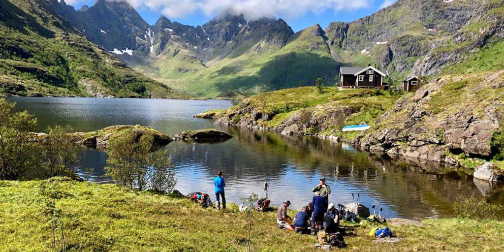 Pause déjeuner dans les Lofoten ©Victor David - guide 66°Nord