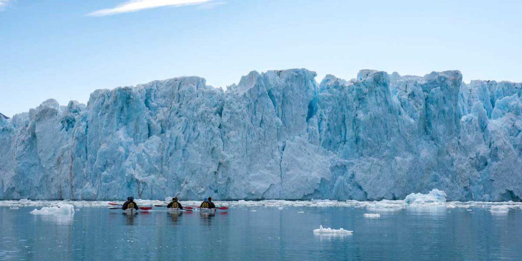 Face au glacier de Monaco, Nord du Svalbard ©Yannick Long - guide arctique 66°Nord