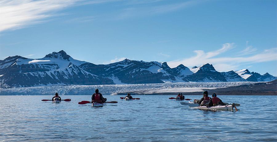 Voyage en petit groupe au Svalbard, en kayak de mer, Svalbard ©Yannick Long, guide 66°Nord