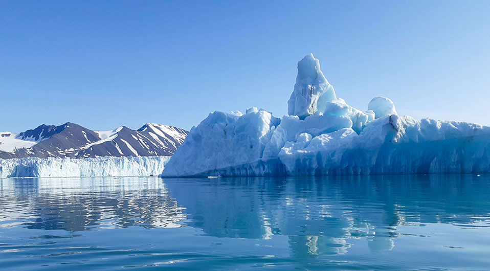 Icebergs, Liefdefjorden, Spitzberg, Svalbard ©Maud Sevaux, guide 66°Nord