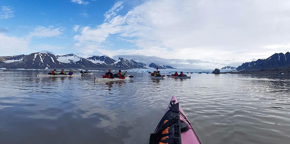 kayak de mer au Nord du Spitzberg ©Maud Sevaux, guide 66°Nord
