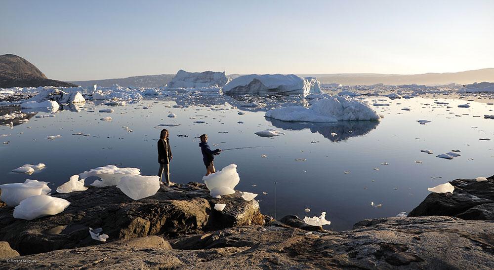 Pêche au bord de la baie, parmi les icebergs ©Laurine Bertrand