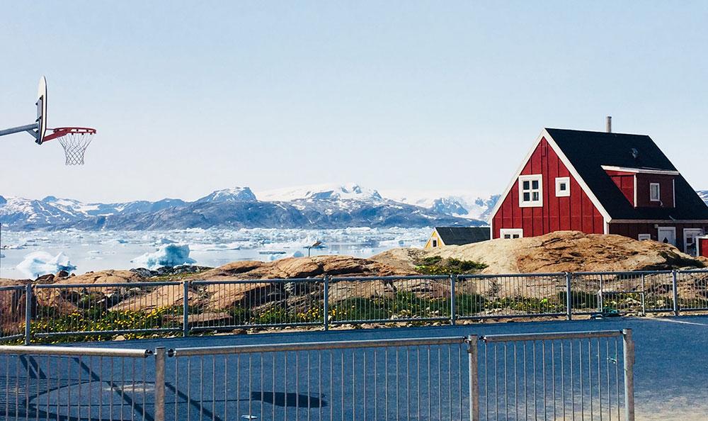 Village de Tiniteqilaq au Groenland ©Laurine Bertrand