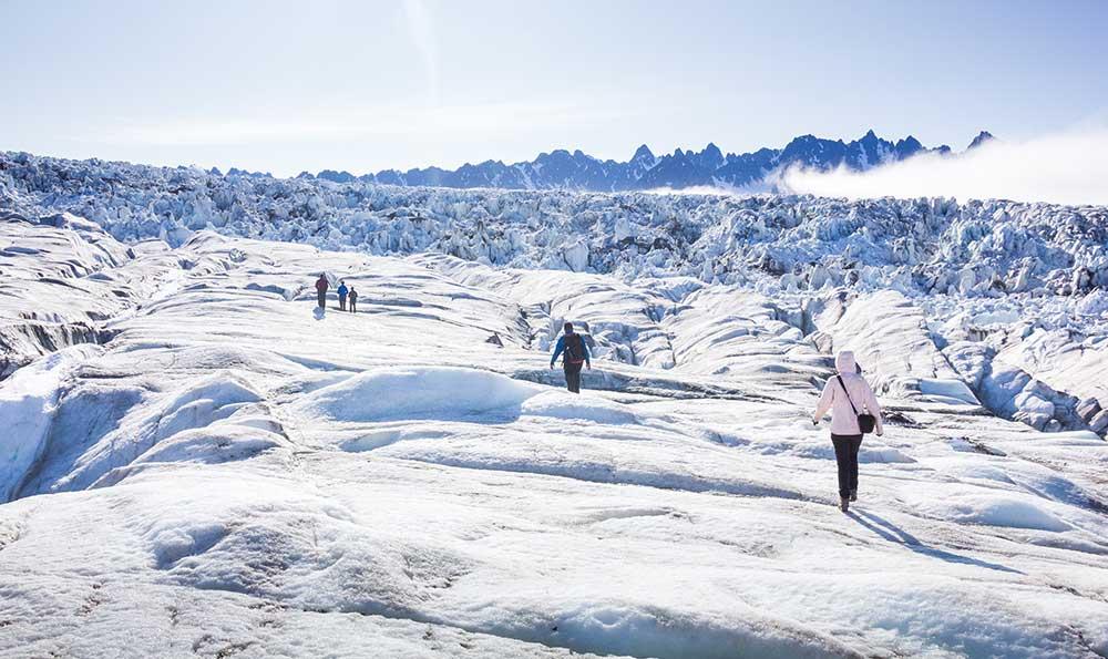 Randonnée glacière au Spitzberg. Crédit : Sébastien Roche, voyageur 66°Nord